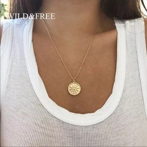 💕sunburn dainty necklace 💕